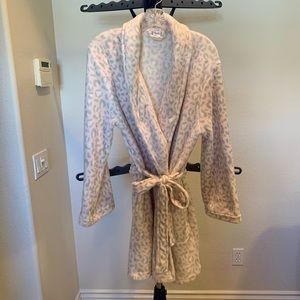 Ulta Pink Leopard Print Robe